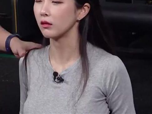 Focus On Hyunyoung's Perky Funbags