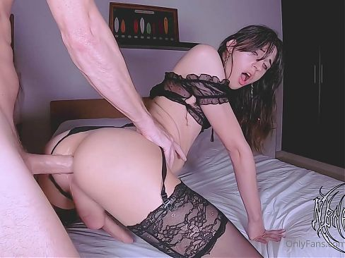 TRANS HOTTIE CUMS FROM GETTING RAILED IN DOGGIE